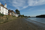 London, England. 14 September 2016. <br /> Low tide at Strand-on-the-Green where the District Line crosses the Thames on the way to Richmond<br /> ©Peter Hogan/Exclusivepix Media