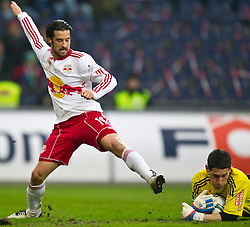 20.02.2011, Red Bull Arena, Salzburg, AUT, 1. FBL, Red Bull Salzburg vs Rapid Wien, im Bild Simon Cziommer, (FC Red Bull Salzburg, Mittelfeld, #19) und Helge Payer, (SK Rapid Wien, Keeper, #24) // during the Austrian Bundesliga Match, Red Bull Salzburg vs Rapid Wien at Red Bull Arena, Salzburg, 20/02/2011, EXPA Pictures © 2011, PhotoCredit: EXPA/ J. Feichter