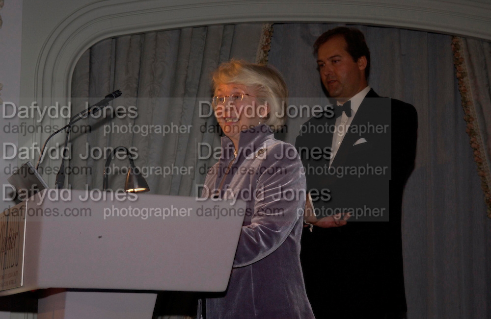 Patricia Thompson, The 2004 Cartier Racing awards, Four Seasons Hotel. London. 17 November 2004. ONE TIME USE ONLY - DO NOT ARCHIVE  © Copyright Photograph by Dafydd Jones 66 Stockwell Park Rd. London SW9 0DA Tel 020 7733 0108 www.dafjones.com