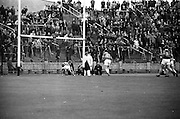 12/05/1968<br /> 05/12/1968<br /> 12 May 1968<br /> National Hurling League Home Final: Tipperary v Kilkenny at Croke Park, Dublin.<br /> Ollie Walsh beaten by S. McLoughlin for Tiperary's second goal.