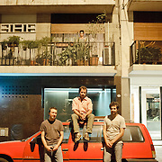 On the street, Pablo, Ricardo and Emanuel, argentinians.<br /> <br /> First floor Vanessa who has been living for 5 years in that building, also argentinian.<br /> <br /> Second Floor Fernanda, Leticia and Robson, Brazilians that are spending their vacations in Buenos Aires.