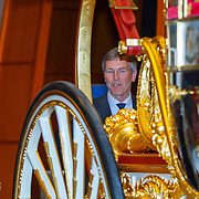 NLD/Den Haag/20150316 - Koning Willem - Alexander onthult gerestaureerde glazen koets<br /> <br /> King Willem-Alexander unveils restored glass carriage<br /> <br /> Op de foto: Koning Willem - Alexander bekijkt de koets
