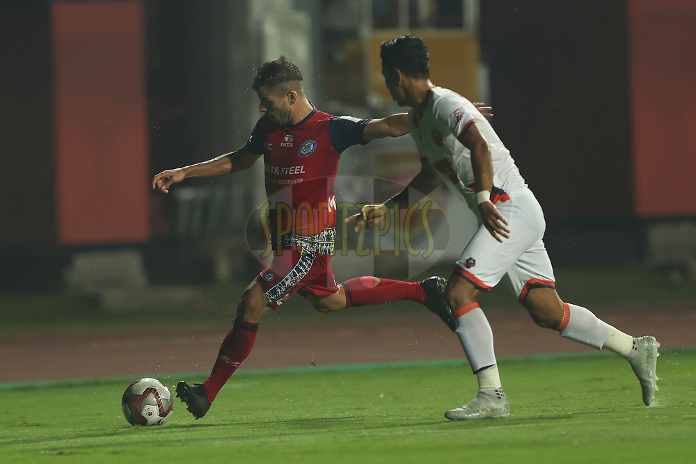 Pablo Morgado of Jamshedpur FC attacks down the wing during match 25 of the Hero Indian Super League 2018 ( ISL ) between Jamshedpur FC and FC Goa held at JRD Tata Sports Complex, Jamshedpur, India on the 1st November  2018<br /> <br /> Photo by: Ron Gaunt /SPORTZPICS for ISL