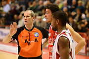 DESCRIZIONE : Pistoia Lega serie A 2013/14  Giorgio Tesi Group Pistoia Pesaro<br /> GIOCATORE : Arbitro<br /> CATEGORIA : mani curiosità<br /> SQUADRA : Giorgio Tesi Group Pistoia Pesaro Basket<br /> EVENTO : Campionato Lega Serie A 2013-2014<br /> GARA : Giorgio Tesi Group Pistoia Pesaro Basket<br /> DATA : 24/11/2013<br /> SPORT : Pallacanestro<br /> AUTORE : Agenzia Ciamillo-Castoria/M.Greco<br /> Galleria : Lega Seria A 2013-2014<br /> Fotonotizia : Pistoia  Lega serie A 2013/14 Giorgio  Tesi Group Pistoia Pesaro Basket<br /> Predefinita :