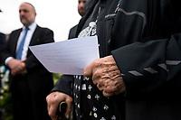Jedwabne, woj podlaskie, 10.07.2019. Obchody 78. rocznicy mordu na Zydach w Jedwabnem . 10 lipca 1941 roku z rak polskich sasiadow zginelo co najmniej 340 osob narodowosci zydowskiej , ktore zostaly zywcem spalone w stodole . W 2001 r zostal odsloniety pomnik , przy ktorym co roku odbywaja sie uroczystosci upamietniajace te zbrodnie. W tegorocznych obchodach, oprocz przedstawicieli spolecznosci zydowskiej, wzieli udzial rowniez politycy SLD N/z modlitwa pod pomnikiem fot Michal Kosc / AGENCJA WSCHOD