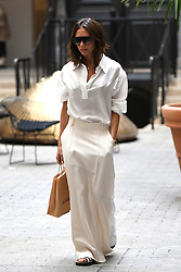 Victoria Beckham have lunch at Loulou restaurant in Paris, France on July 5th, 2018. Photo by ABACAPRESS.COM