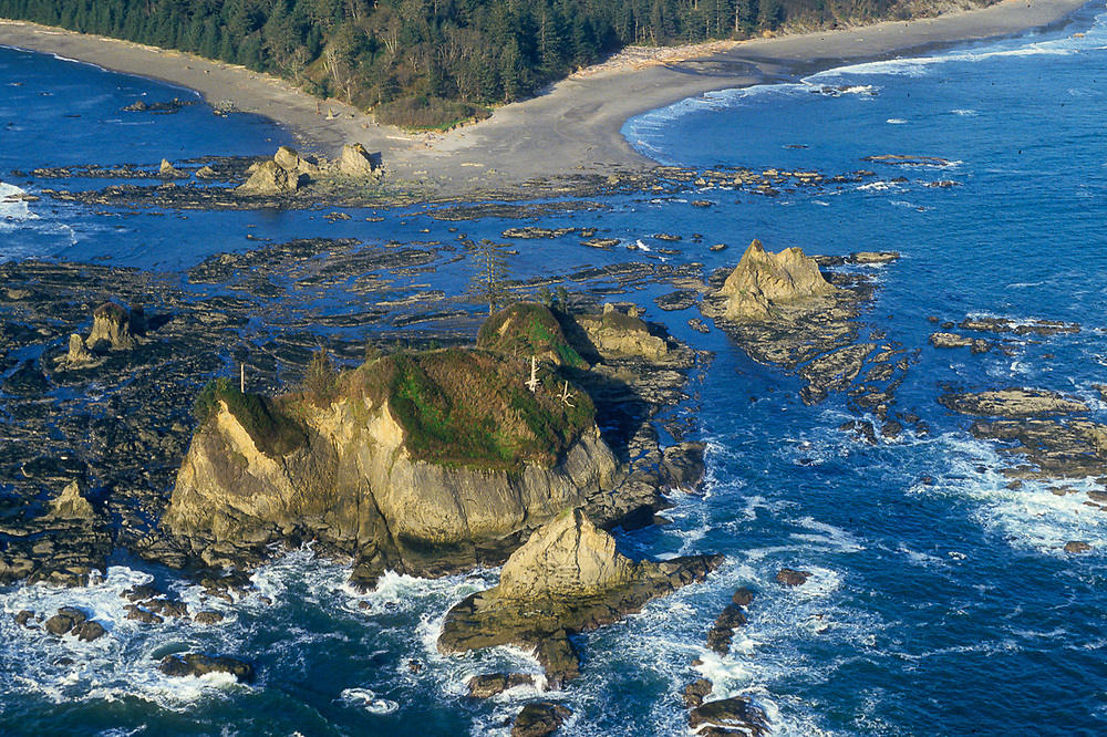 Aerial view of Point of Arches and Shi Shi Beach, Olympic National Park, Washington, USA