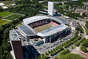 Nederland, Utrecht, Utrecht, 12-06-2009; Stadion Galgenwaard van voetbalclub FC Utrecht in de wijk Galgewaard, gemoderniseerd in 2001-2002. Naast het stadion kantoor- en woontorens..The renovated stadium of football club FC Utrecht, with newly-built appartment- and office towers. .Swart collectie, luchtfoto (25 procent toeslag); Swart Collection, aerial photo (additional fee required); .foto Siebe Swart / photo Siebe Swart
