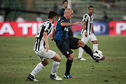 Bari (BA) 21.07.2012 - Trofeo Tim 2012. Inter - Juventus. Nella Foto: Marrone (J) e Cambiasso (I)