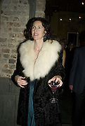 LUCINDA LAWRENCE, Discover Wilton's Music Hall, Fundraising event. Graces alley, Ensign St. London. 5 December 2007. -DO NOT ARCHIVE-© Copyright Photograph by Dafydd Jones. 248 Clapham Rd. London SW9 0PZ. Tel 0207 820 0771. www.dafjones.com.