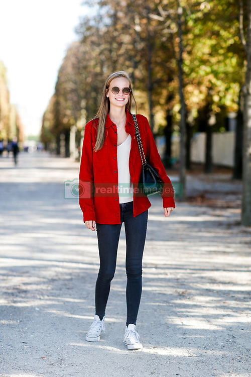 Street style, model Ine Neefs arriving at Isabel Marant spring summer 2019 ready-to-wear show, held at Jardin des Tuileries, in Paris, France, on September 27th, 2018. Photo by Marie-Paola Bertrand-Hillion/ABACAPRESS.COM
