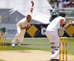 © Licensed to London News Pictures. 26/12/2013. Ryan Harris bowling  during the Ashes Boxing Day Test Match between Australia Vs England at the MCG on 26 December, 2013 in Melbourne, Australia. Photo credit : Asanka Brendon Ratnayake/LNP