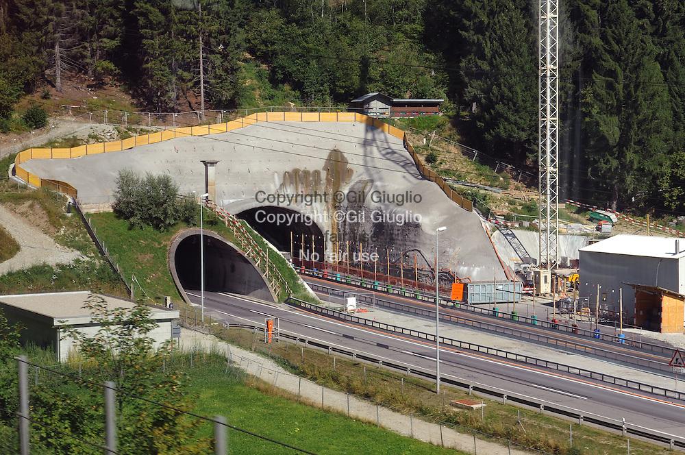 Suisse, canton du Tessin,nouvelle entrée du tunnel du Gothard // Switzerland, Tecino canton, brand new pass entrance in Gothard tunnel