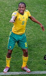 11.06.2010, Soccer City Stadium, Johannesburg, RSA, FIFA WM 2010, Südafrika vs Mexico im Bild L'esultanza di Siphiwe Tshabalala (Sudafrica) per il gol dell'1-0  .Siphiwe Tshabalala's celebration for his 1-0's leading goal scored for South Africa, EXPA Pictures © 2010, PhotoCredit: EXPA/ InsideFoto/ G. Perottino, ATTENTION! FOR AUSTRIA AND SLOVENIA ONLY!!! / SPORTIDA PHOTO AGENCY