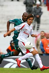 Nilmar durante lance da partida contra o Juventude, válida pela final do campeonato gaúcho 2008, no estádio Beira Rio, em Porto Alegre. FOTO: Jefferson Bernardes/Preview.com