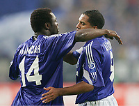 Fotball, 10. august 2004, UI-Cup Finale Hinspiel FC Schalke 04 - FC Slovan Liberec,<br /> Jubel 2:0 v.l. Gerald ASAMOAH, AILTON