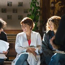 Actresses Emma Vilarasau and Marta Marco review the script with Eva Norverto, the director.