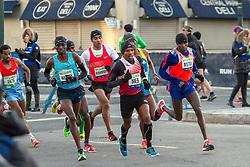 lead pack of elite men, Meb, Mutai