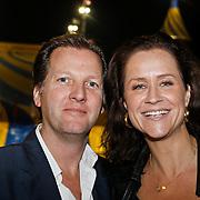NLD/Amsterdam/20101007 - Europesche premiere Cirque du Soleil Totem, Paulien Huizinga en partner Michael Mol