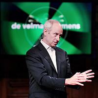 Nederland, Amsterdam, 6 juni 2015.<br /> Michael Sandel was gast tijdens de opnames van. het VPRO televisieprogramma De volmaakte mens<br /> Michael Sandel is een Amerikaans filosoof, gespecialiseerd in de politieke filosofie. Sandel behoort tot de communitaristische stroming binnen de politieke filosofie<br /> <br /> <br /> Foto: Jean-Pierre Jans