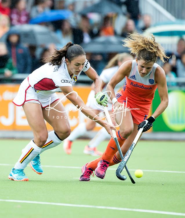 SCHIEDAM - Maria Verschoor (Ned) met Judith VANDERMEIREN (Bel)   tijdens een oefenwedstrijd tussen  de dames van Nederland en Belgie , in aanloop naar het  EK Hockey, eind augustus in Amstelveen. COPYRIGHT KOEN SUYK
