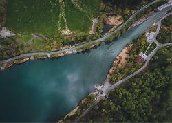THEMENBILD - Blick auf den Klammsee. Er ist ein Tagesspeicher und Teil des Kraftwerks Kaprun, aufgenommen am 26. April 2020 in Kaprun, Österreich // The Klammsee is a daily storage facility with a volume of 200,000 m³ and part of the Kaprun power plant, Kaprun, Austria on 2020/04/26. EXPA Pictures © 2020, PhotoCredit: EXPA/ JFK