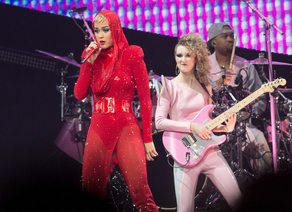 "Katy Perry, left,  performs on stage at the ""Witness: The Tour"" concert at the Staples Center on Tuesday, Nov. 7, 2017, in Los Angeles. (Photo by Willy Sanjuan/Invision/AP)"