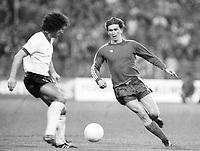 Fotball<br /> Bayern München<br /> Foto: Witters/Digitalsport<br /> NORWAY ONLY<br /> <br /> v.l. Graeme Souness,  Klaus Augenthaler  Bayern  22.04.1981<br /> Uefa Pokal der Landesmeister FC Bayern München - FC Liverpool  1:1