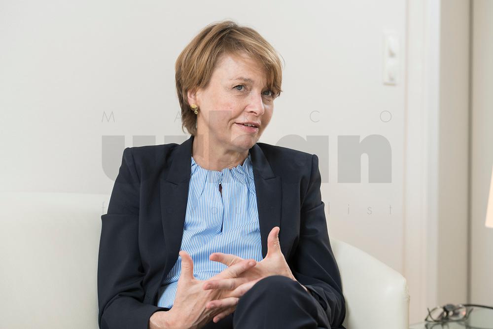 03 SEP 2018, BERLIN/GERMANY:<br /> Elke Buedenbender, Juristin und Gattin des Bundespraesidenten, wahrend einem Interview, in Ihrem Buero, Schloss Bellevue<br /> IMAGE: 20180903-01-023<br /> KEYWORDS: Elke Büdenbender, First Lady