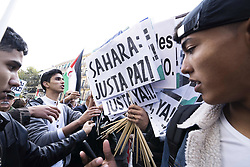 November 17, 2018 - Madrid, Spain - People protesting during a demonstration in Madrid, Spain, on 17th November 2018 for a free Sahara, to ask for the selfdetemination of Western Sahara. (Credit Image: © Oscar Gonzalez/NurPhoto via ZUMA Press)