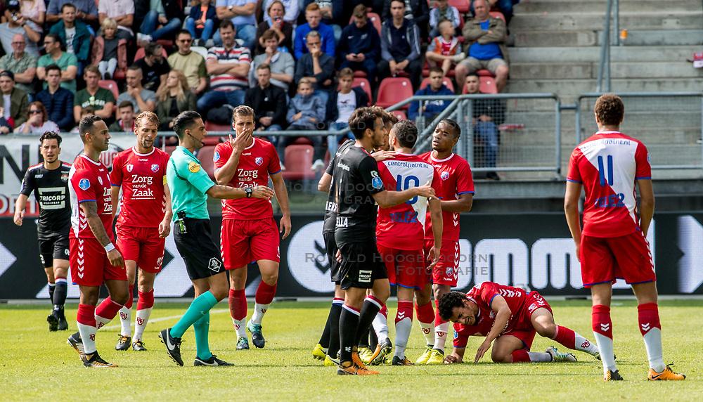 20-08-2017 NED: FC Utrecht - Willem II, Utrecht<br /> Utrecht verslaat Willem II met 2-0 / Yassin Ayoub #8 of FC Utrecht raakt geblesseerd door Ismail Azzaoui #38 of Willem II en er volgt een opstootje