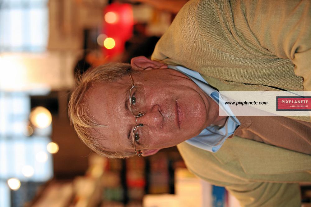 Charles Enderlin - Salon du livre de Paris - 27/03/2007 - JSB / PixPlanete