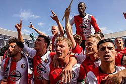 14-05-2017 NED: Kampioenswedstrijd Feyenoord - Heracles Almelo, Rotterdam<br /> In een uitverkochte Kuip speelt Feyenoord om het landskampioenschap / Spelers van Feyenoord vieren het kampioenschap. Steven Berghuis #19, Dirk Kuyt #7, Bilal Basacıkoglu #14, Mo el Hankouri #40, Eljero Elia #11