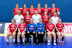 28.05.2016, BSFZ Südstadt, Maria Enzersdorf, AUT, ÖHB, Fototermin Frauen Nationalteam, im Bild 1. Reihe v.l. Kristina Logvin, Altina Berisha, Petra Blazek, Verena Flöck, Mirela Dedic, Sonja Frey, 2. Reihe v.l. Co-Trainer Mihaly Godor, Tamara Bösch, Trainer Herbert Müller, Johanna Schindler, Physiotherapeut Jürgen Nagl, 3. Reihe v.l. Laura Bauer, Martina Goricanec, Patricia Kovacs, Ines Ivancok, Josefine Huber, Claudia Wess // during the Team and Portrait Photoshoot of the Austrian women' s handball National Team at the BSFZ Südstadt, Maria Enzersdorf, Austria on 2016/05/28, EXPA Pictures © 2016, PhotoCredit: EXPA/ Sebastian Pucher