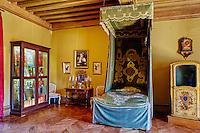 France, Cher (18), Berry, le château d'Ainay-le-Vieil, chambre du roi, route Jacques Coeur // France, Cher (18), Berry, château d'Ainay-le-Vieil castle, the Jacques Coeur road, room of the king