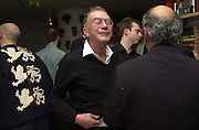 Michael White. Talk pre-Bafta party. St. Martin's Lane Hotel. London. 24 February 2001. © Copyright Photograph by Dafydd Jones 66 Stockwell Park Rd. London SW9 0DA Tel 020 7733 0108 www.dafjones.com