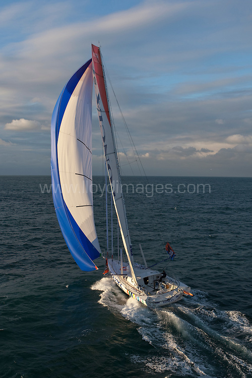 """8th November 2009. Transat Jacques Vabre Yacht Race.Le Havre. France. ..Pictures of """"Foncia""""  skippered by Michel Desjoyeaux (FRA) with co skipper Jérémie Beyou (FRA) sailing downwind after crossing the start line today..Please credit """"Lloyd Images"""""""
