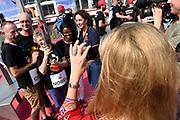 Burgemeester Femke Halsema en prinses Mabel nemen deel aan de fakkeltocht Positive Flame door de binnenstad om aandacht te vragen voor mensen met hiv. De fakkeldragers zijn mannen en vrouwen die leven met hiv in Nederland. De fakkeltocht vond plaats in de week van de internationale aidsconferentie AIDS2018. <br /> <br /> Mayor Femke Halsema and Princess Mabel are taking part in the torch relay Positive Flame through the city center to draw attention to people with HIV. The torchbearers are men and women who live with HIV in the Netherlands. The torch relay took place during the week of the international AIDS conference AIDS2018.<br /> <br /> Op de foto: Burgemeester Femke Halsema en prinses Mabel met Francoise Barré-Sinoussi, Peter Staley en Timothy Brown /  Mayor Femke Halsema and Princess Mabel with Francoise Barré-Sinoussi , Peter Staley and Timothy Brown