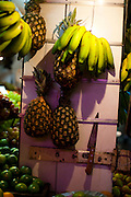 Belo Horizonte_MG, Brasil...80 anos do Mercado Central. Na foto comercio de frutas...80 years of Mercado Central. In this photo some fruits...Foto: LEO DRUMOND / NITRO