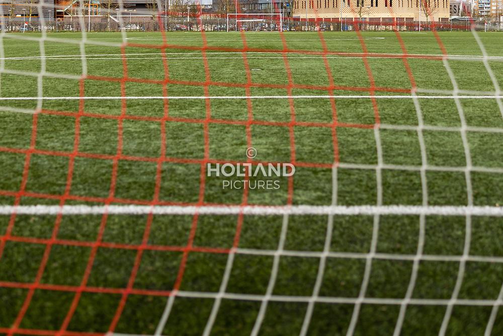 12-03-2020: Sportnieuws: Corona maatregelen en gevolgen: Nederland<br /> - veld zonder sporters