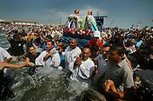 Saintes Maries Pilgrims enter sea