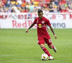 September 22, 2018 - Harrison, New Jersey, United States - Alejandro Romero Gamarra (10) of New York Red Bulls controls ball during regular MLS game against Toronto FC at Red Bull Arena Red Bulls won 2 - 0 (Credit Image: © Lev Radin/Pacific Press via ZUMA Wire)