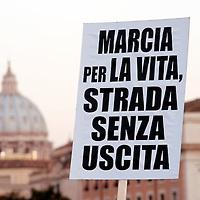 No alla Marcia per la Vita