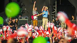 Neto Fagundes canta o hino Rio-grandense no Palco Planeta  na abertura da 22ª edição do Planeta Atlântida. O maior festival de música do Sul do Brasil ocorre nos dias 3 e 4 de fevereiro, na SABA, na praia de Atlântida, no Litoral Norte gaúcho.  Foto: Marcos Nagelstein / Agência Preview