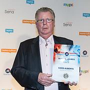 NLD/Utrecht/20181001 - Buma NL Awards 2018, Leo Lukassen neemt de Helden Oeuvreprijs in ontvangst voor Koos Alberts