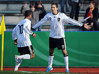 Fotball<br /> Tyskland v Russland<br /> 16.11.2010<br /> Foto: Witters/Digitalsport<br /> NORWAY ONLY<br /> <br /> Jubel 1:0 v.l. Serge Gnabry, Said Benkarit (Deutschland)<br /> U16 Testspiel, Deutschland - Russland