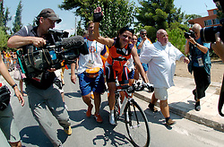 18-08-2004 WIELRENNEN: TIJDRIT OLYMPIC GAMES: ATHENE<br /> Leontien Zijlaard van Moorsel pakt de gouden medaille op de tijdrit<br /> ©2004-WWW.FOTOHOOGENDOORN.NL
