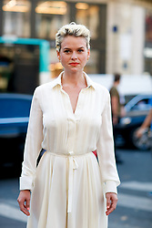 Street style, Alice Eve arriving at Schiaparelli Fall-Winter 2018-2019 Haute Couture show held at Opera Garnier, in Paris, France, on July 2nd, 2018. Photo by Marie-Paola Bertrand-Hillion/ABACAPRESS.COM