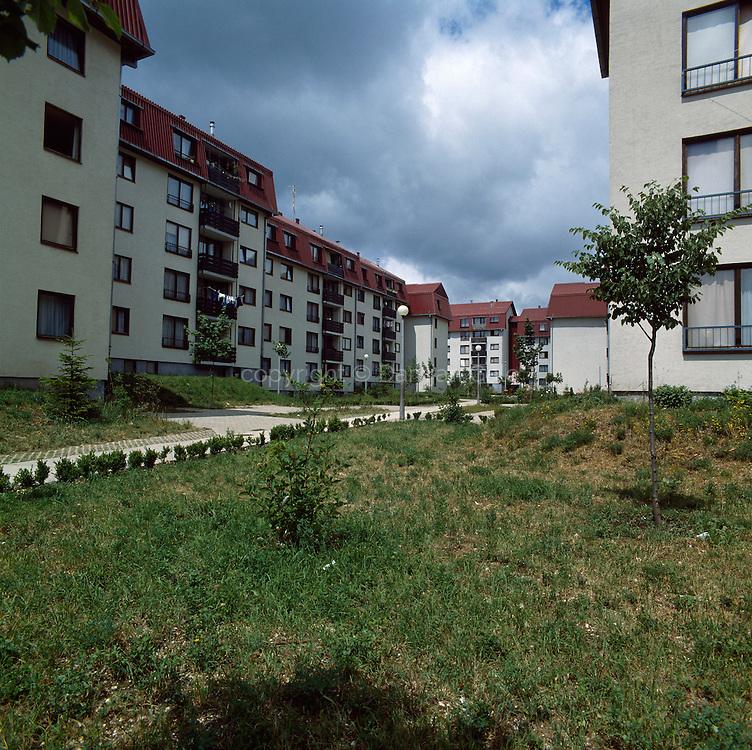 Stanovanjsko naselje v Cetinjah
