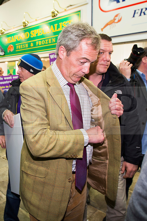 © Licensed to London News Pictures. 01/06/2016. Leeds UK. Nigel Farage visits Leeds Kirkgate Market today to campaign for an out vote in the EU Referendum. Photo credit: Andrew McCaren/LNP